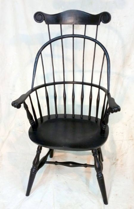 Sack Back Arm Chair With Comb